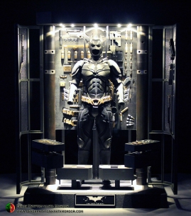 Batman Armory Hot Toys (010c)