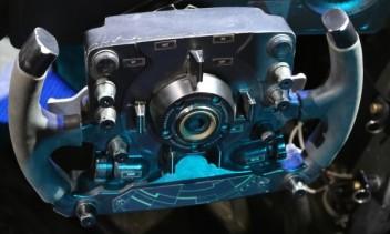 batmobile-steering-wheel-batman-vs-superman-600x361