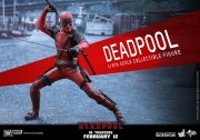 marvel-deadpool-sixth-scale-hot-toys-902628-01