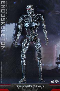 Terminator-Genisys-T-800-Hot-Toys-005