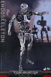Terminator-Genisys-T-800-Hot-Toys-006