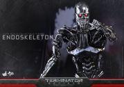 Terminator-Genisys-T-800-Hot-Toys-009