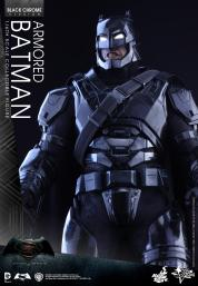 Hot-Toys-BvS-Black-Chrome-Armored-Batman-004