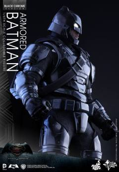 Hot-Toys-BvS-Black-Chrome-Armored-Batman-005