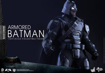 Hot-Toys-BvS-Black-Chrome-Armored-Batman-007