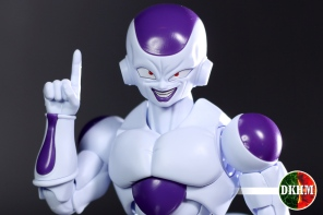 freezer-figure-rise-104