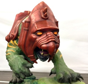 pcs-battlecat-statue-closeup_full