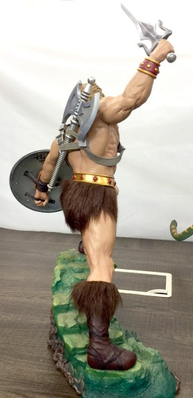 pcs-heman-statue-rear_full