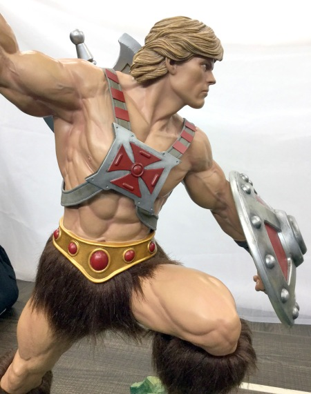pcs-heman-statue-right_full