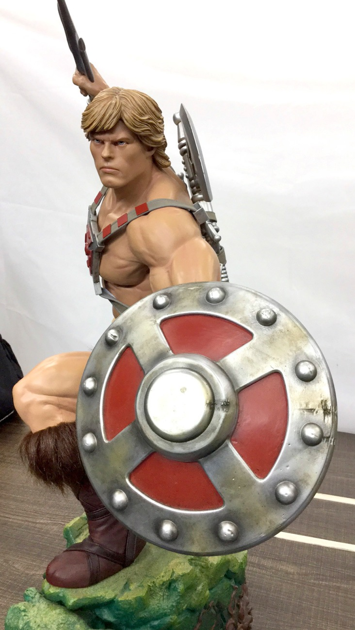 pcs-heman-statue-shield_full