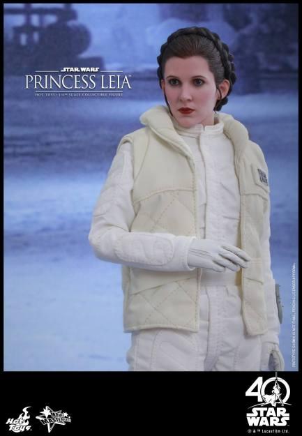 Hot-Toys-ESB-Princess-Leia-004