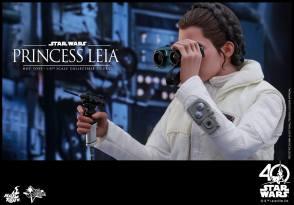 Hot-Toys-ESB-Princess-Leia-005