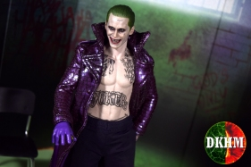 Hot Toys Joker Purple Coat (19)