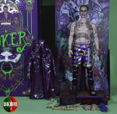 Hot Toys Joker Purple Coat (28)