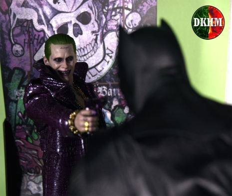 Hot Toys Joker Purple Coat (7)