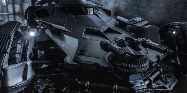 justice-league-batmobile-186797-640x320