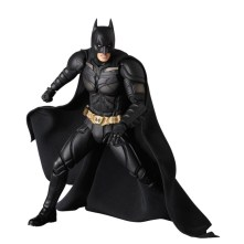 Medicom-MAFEX-The-Dark-Knight-Rise-Batman-Version-3-02