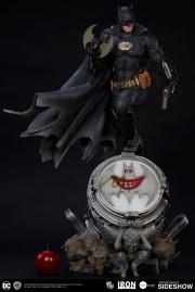 dc-comics-batman-one-third-scale-statue-iron-studios-903039-04