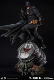dc-comics-batman-one-third-scale-statue-iron-studios-903039-05