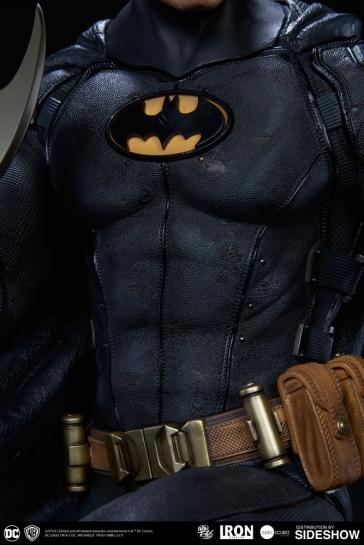 dc-comics-batman-one-third-scale-statue-iron-studios-903039-12