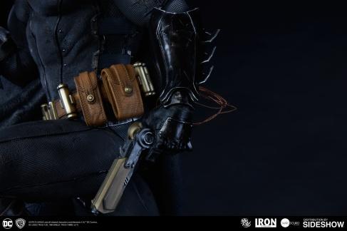 dc-comics-batman-one-third-scale-statue-iron-studios-903039-14