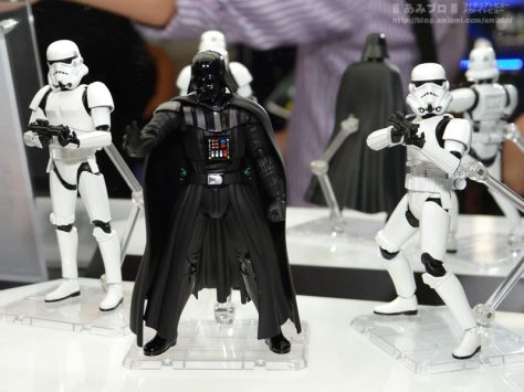 SH-Figuarts-Darth-Vader-and-Stormtroopers-3