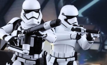 star-wars-first-order-stormtroopers-set-sixth-scale-hot-toys-feature-902537-740x448