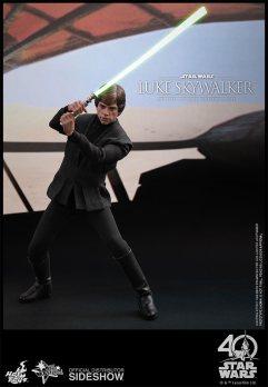 star-wars-luke-skywalker-sixth-scale-hot-toys-903109-07