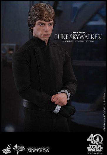 star-wars-luke-skywalker-sixth-scale-hot-toys-903109-11