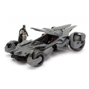 batman-vs-superman-batmobile-model-with-metal-figure-batman-scale-124-jada-toys