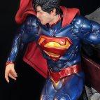 dc-comics-the-new-52-superman-statue-prime1-200509-10