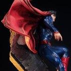 dc-comics-the-new-52-superman-statue-prime1-200509-11