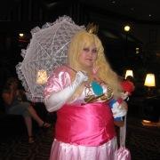 Fail-Princess-Peach-Cosplay