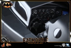 Hot-Toys-Batmobile-1989-5