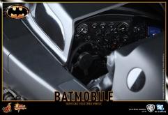 Hot-Toys-Batmobile-1989-5
