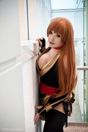 Kasumi-Black-Dead-or-Alive-Cosplay-01