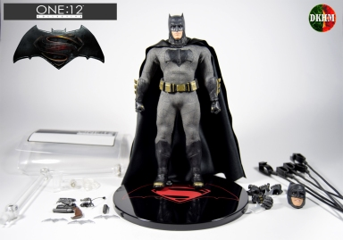 Mezco Batman BVS (1)