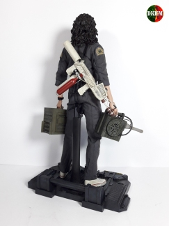 Hot Toys Ripley (23)