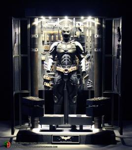 batman-armory-hot-toys-010c
