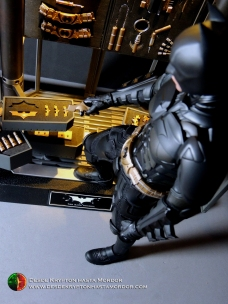 batman-armory-hot-toys-015