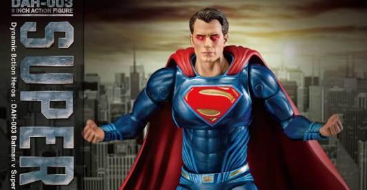 Batman-v-Superman-DAH-Superman-002-928x483
