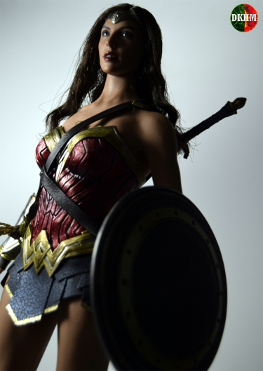 Hot Toys Wonder Woman BVS (6)