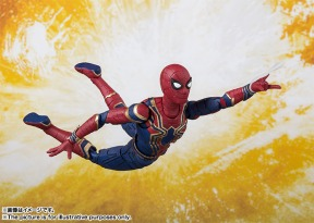 Avengers-Infinity-War-SH-Figuarts-Iron-Spider-004