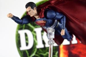 Mafex Superman JL (2)