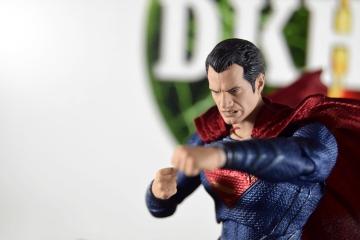 Mafex Superman JL (5)