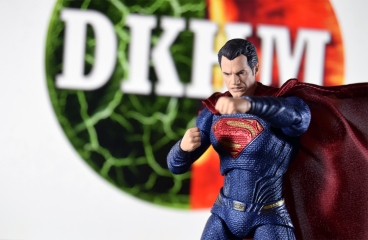 Mafex Superman JL (9)
